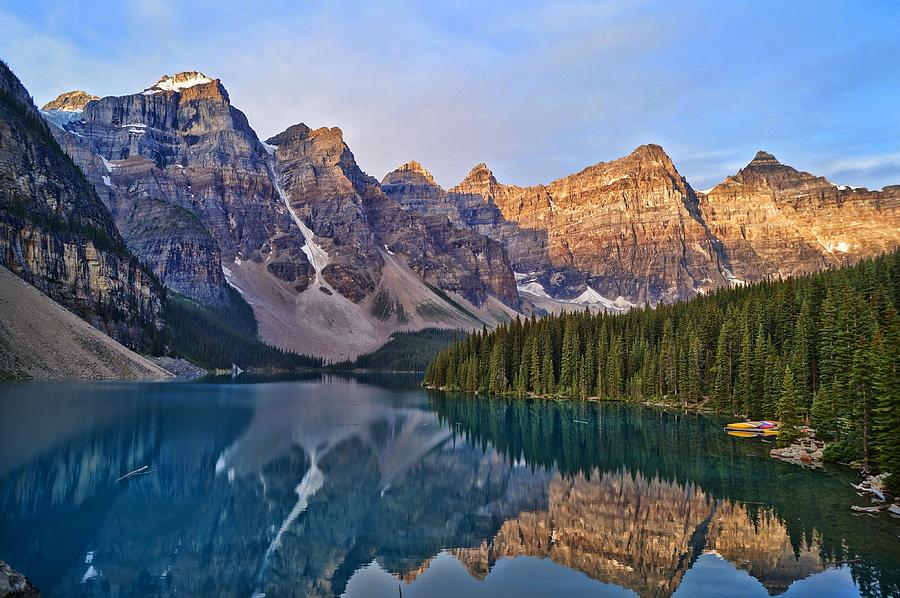 Moraine Lake Ab Canada By Mstan