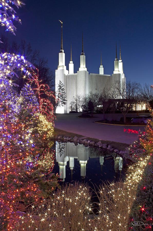 Christmas Time In Washington Dc.Mormon Temple At Christmas
