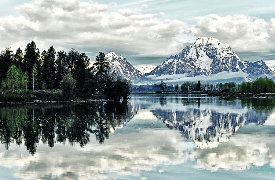 Morning At The Bend Photograph by Jeff R Clow