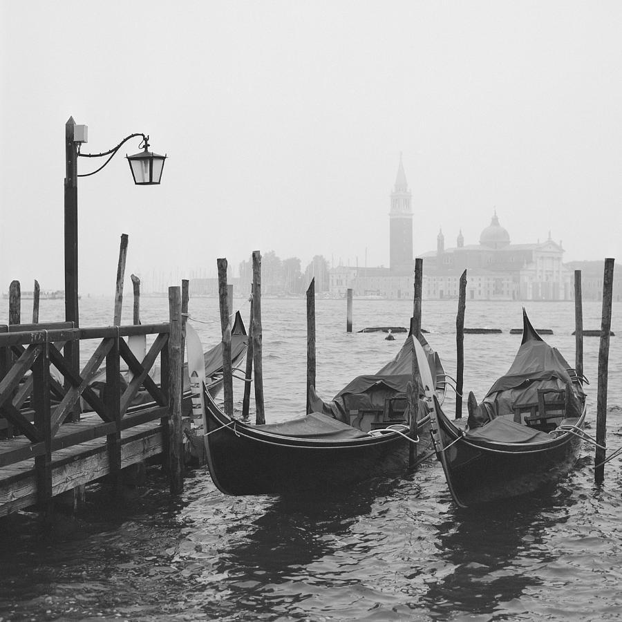 Venice Photograph - Morning In Venice by Yuppidu