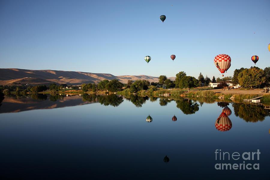 Balloon Photograph - Morning On The Yakima River by Carol Groenen