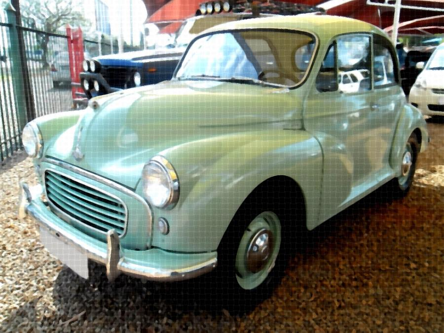 Morris Minor 1000 Coupe B Painting