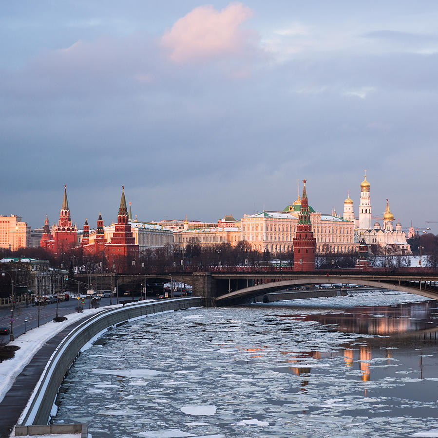 Annunciation Photograph - Moscow Kremlin In Winter Evening - Square by Alexander Senin