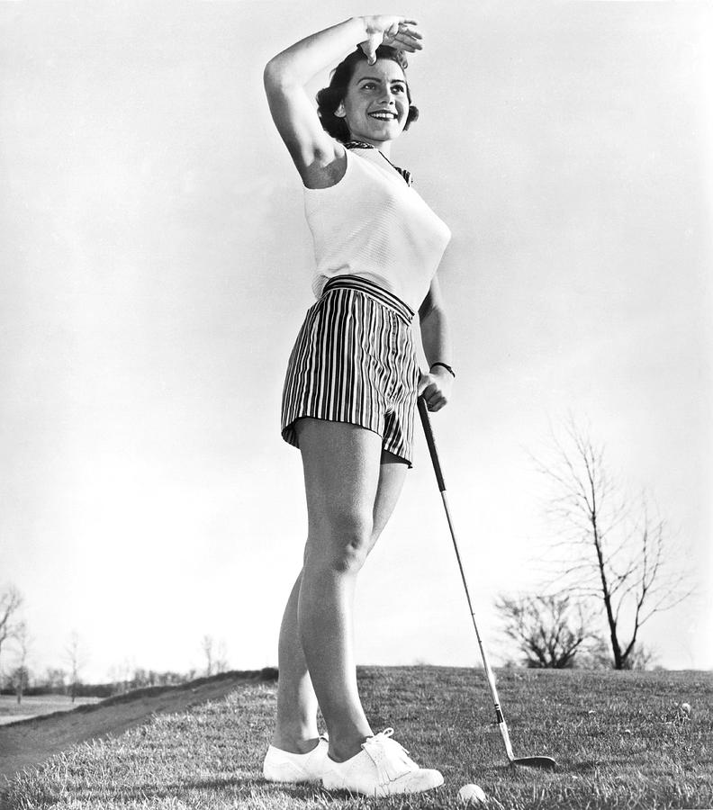 1950's Photograph - Most Beautiful Golfer Of 1957 by Underwood Archives