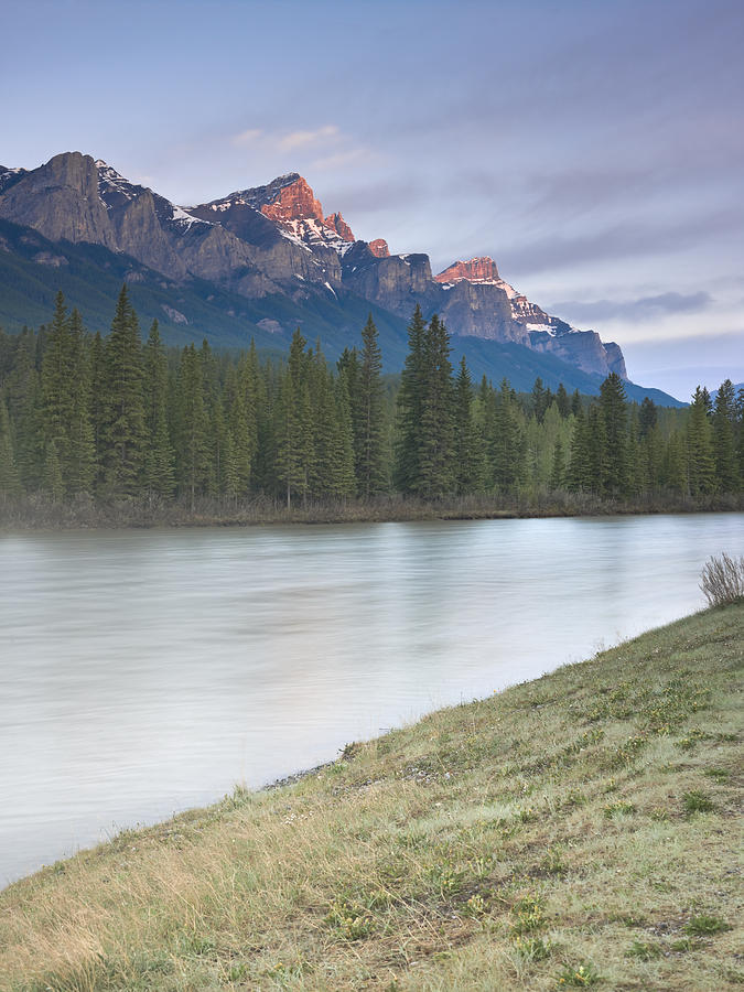 Three Sisters Photograph - Mount Rundle And The Bow River At Sunrise by Richard Berry