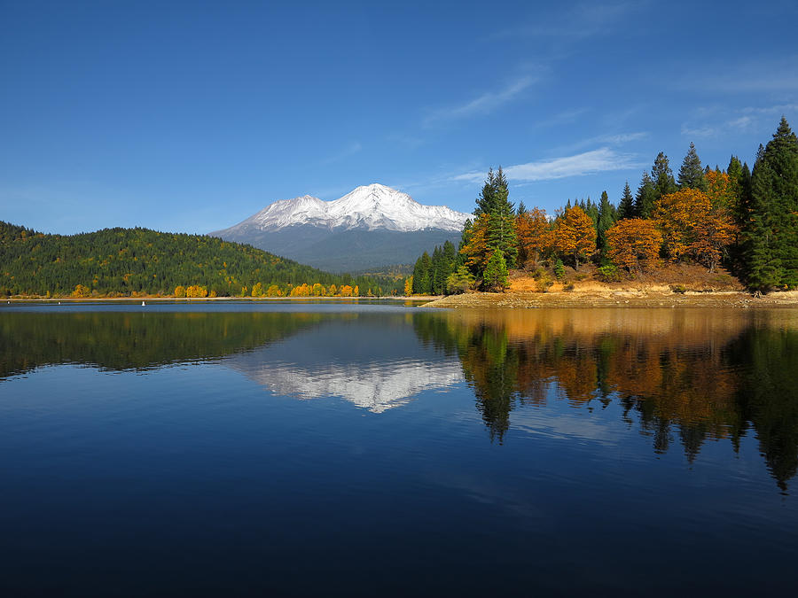 mount shasta women Mount shasta is known as one of the most sacred places on earth and is called by many people the magical mountain the mountain is located in the cascade range in northern california.