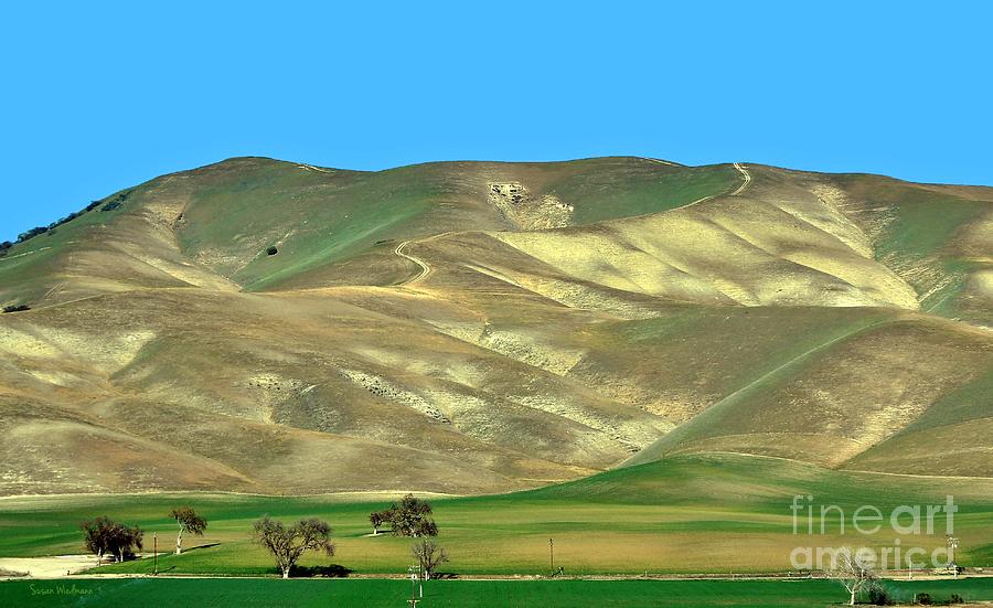 Susan Wiedmann Photograph - Mountain Hues by Susan Wiedmann