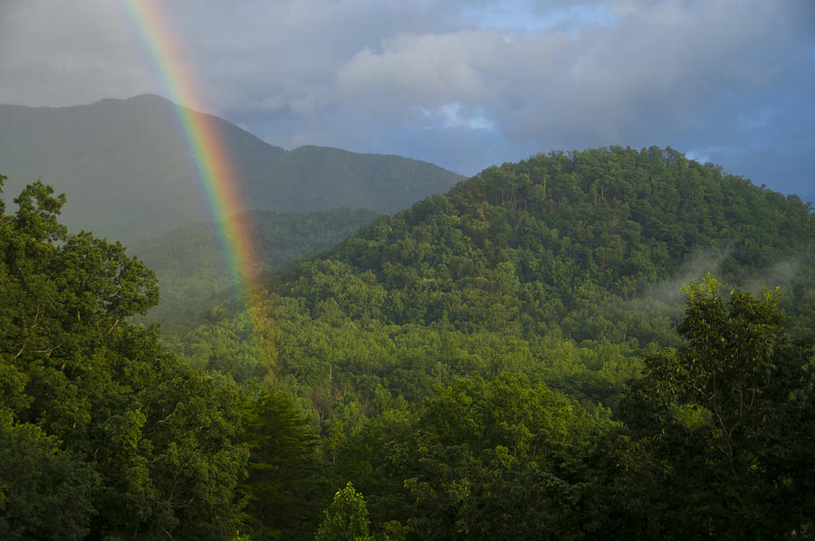 Mountain Rainbow 2 by Larry Bohlin
