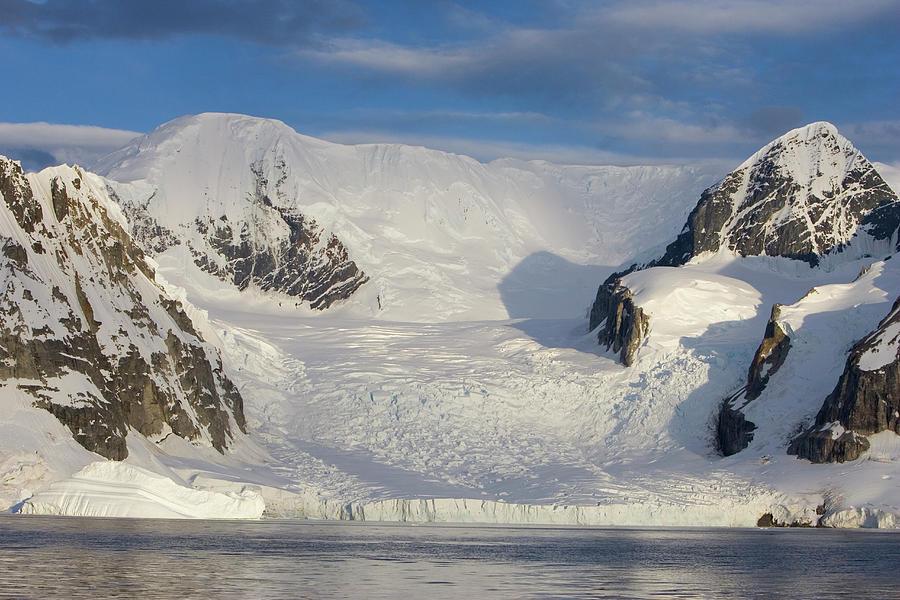 Antarctica Photograph - Mountains And Glacier At Sunset by Suzi Eszterhas