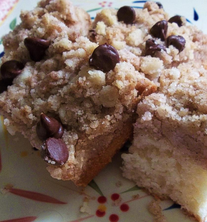 Crumb Cake Photograph - Mouthwatering Crumb Cake by Ellen Levinson