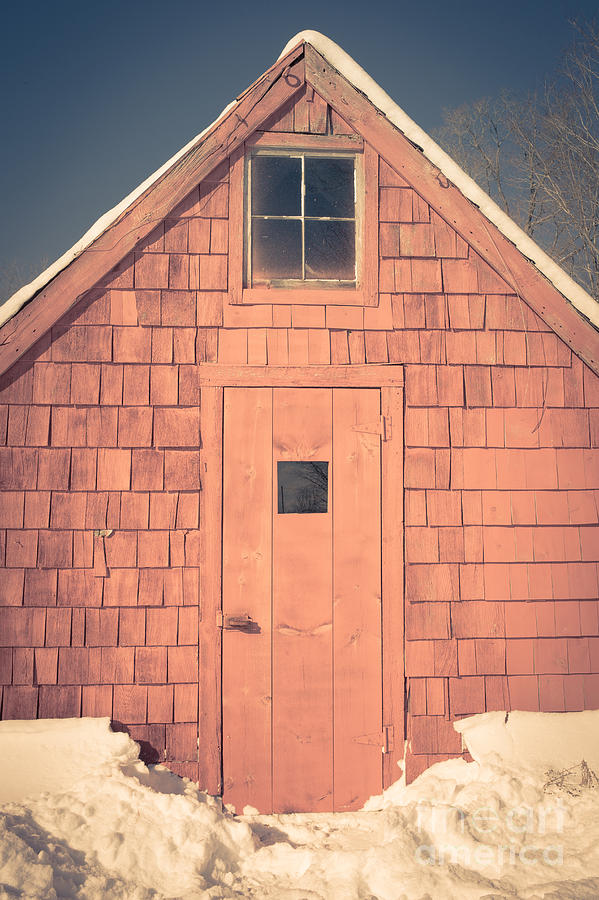 New Hampshire Photograph - Mt. Cube Sugar Shack Orford New Hampshire by Edward Fielding