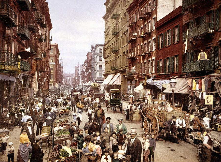 Mulberry Street Photograph - Mulberry Street, New York, circa 1900 by Science Photo Library
