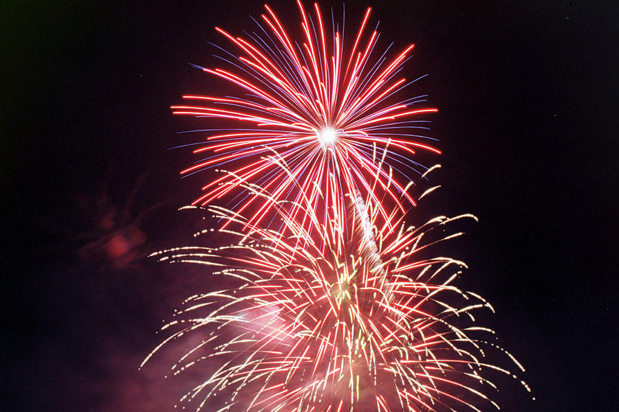 Night Photograph - 4th Of July Fireworks 1 by Howard Tenke