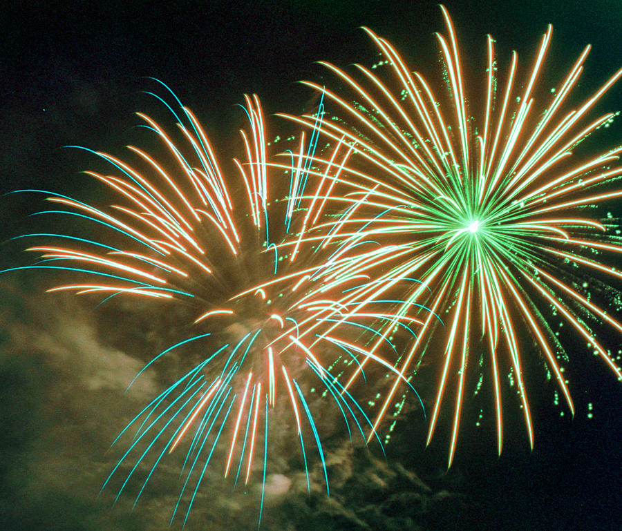 Night Photograph - 4th Of July Fireworks 2 by Howard Tenke