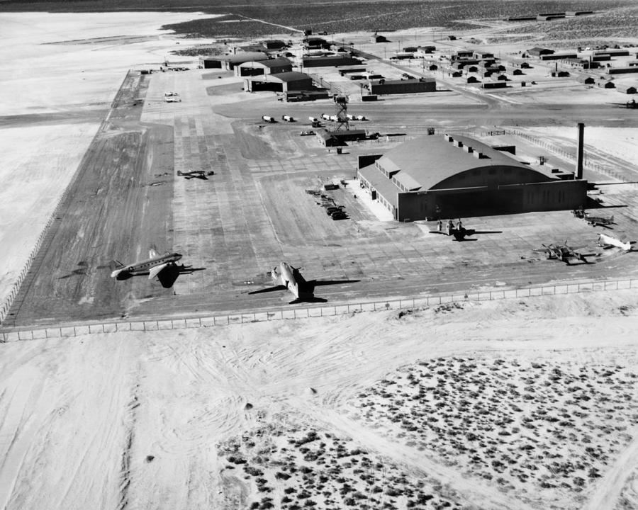 Airfield Photograph - Muroc Flight Test Base, 1945 by Science Photo Library