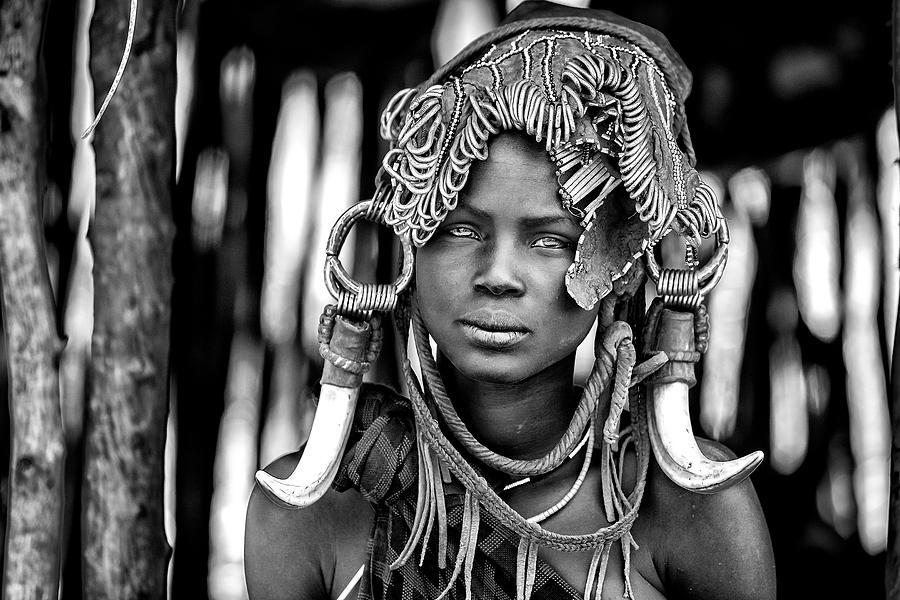 Documentary Photograph - Mursi by Vedran Vidak