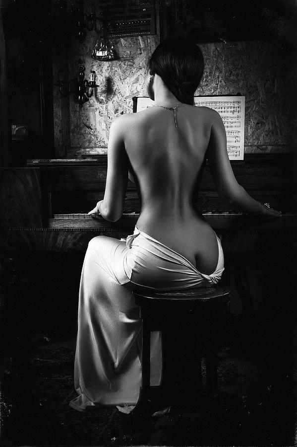 Fine Art Nude Photograph - Music Of The Body by Ruslan Bolgov (axe)