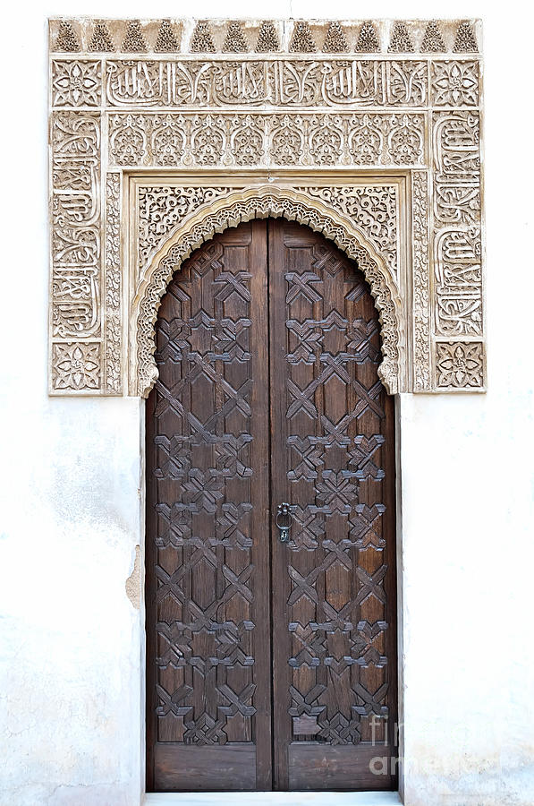 Alhambra Photograph - Myrtle Doorway by Marion Galt