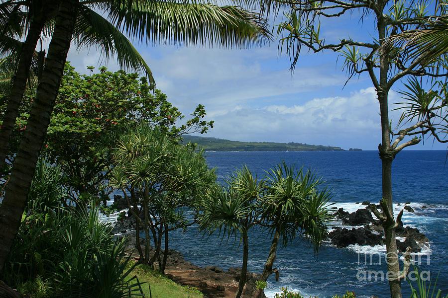 Aloha Photograph - Nahiku Kaelua Honolulunui Bay Maui Hawaii by Sharon Mau