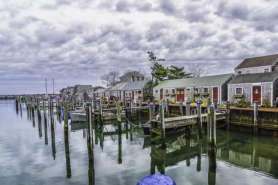 Nantucket Photograph - Nantucket Harbor by Bob Bernier