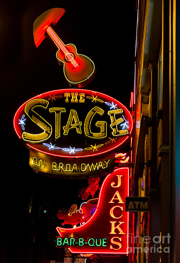 Nashville Night Life by Sophie Doell
