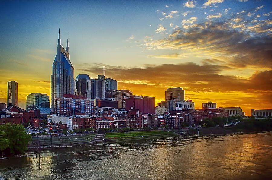 Nashville Photograph - Nashville Skyline At Sunset by Dan Holland