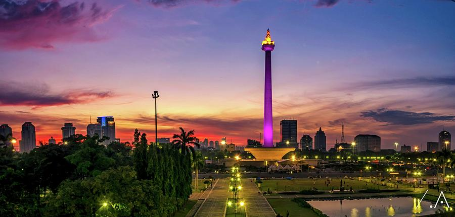 National Monument Of Jakarta At Sunset Photograph by Reza Mauludy / Eyeem