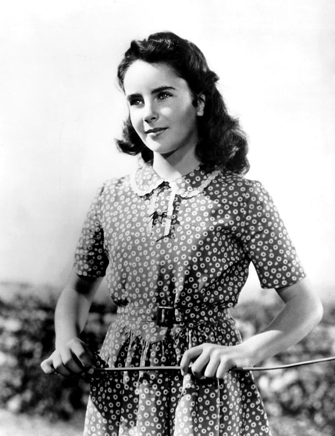 national velvet elizabeth taylor 1944 photograph by everett