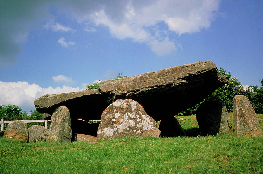 Neolithic Tomb Photograph - Neolithic Tomb: Arthurs Stone by Tony Craddock/science Photo Library