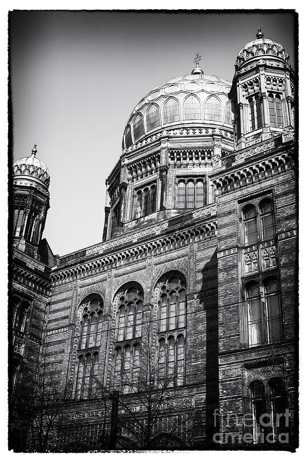 Synagogue Photograph - Neue Synagogue by John Rizzuto