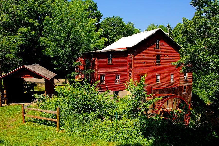 Red Mill Photograph - New Hope Mill by Dave Files