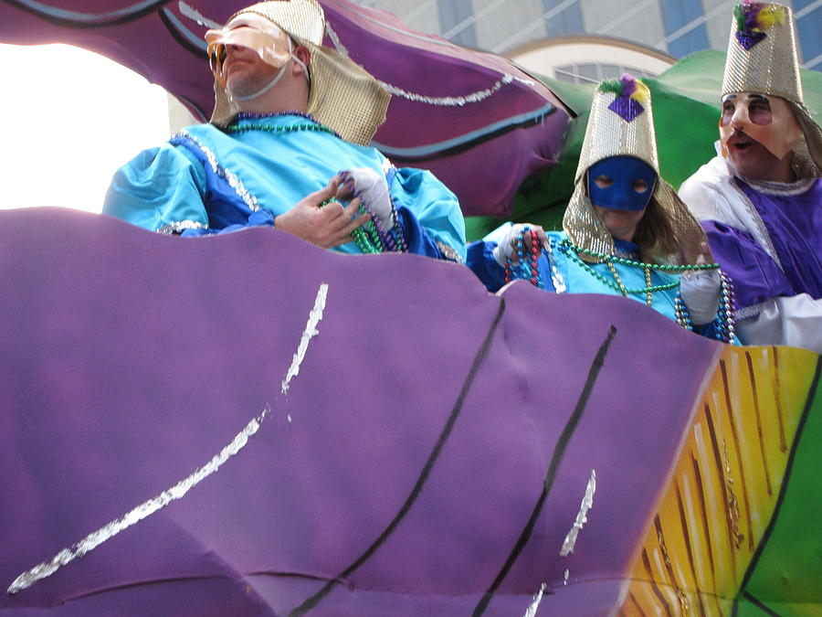 New Photograph - New Orleans - Mardi Gras Parades - 12127 by DC Photographer
