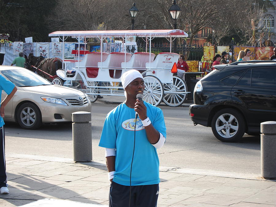New Photograph - New Orleans - Street Performers - 12128 by DC Photographer