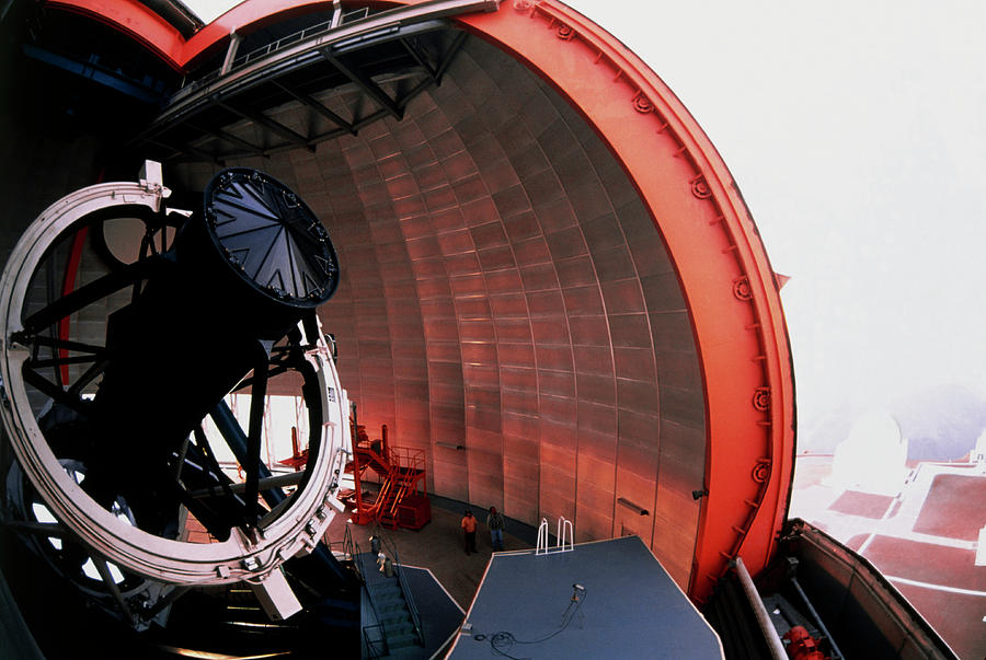 La Silla Observatory Photograph - New Technology Telescope At La Silla by David Parker/science Photo Library