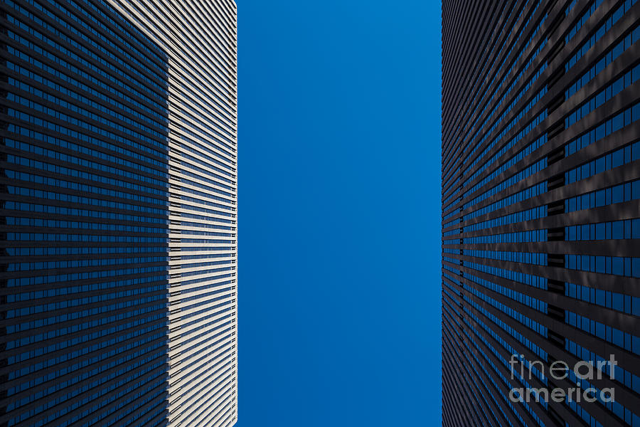 New York Photograph - New York City 02 by Tom Uhlenberg