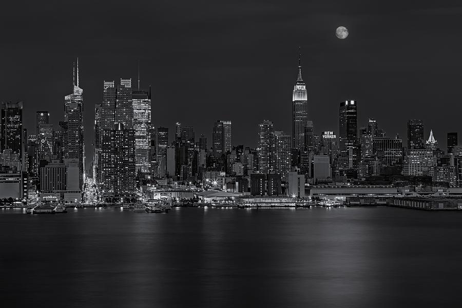 Esb Photograph - New York City Night Lights by Susan Candelario