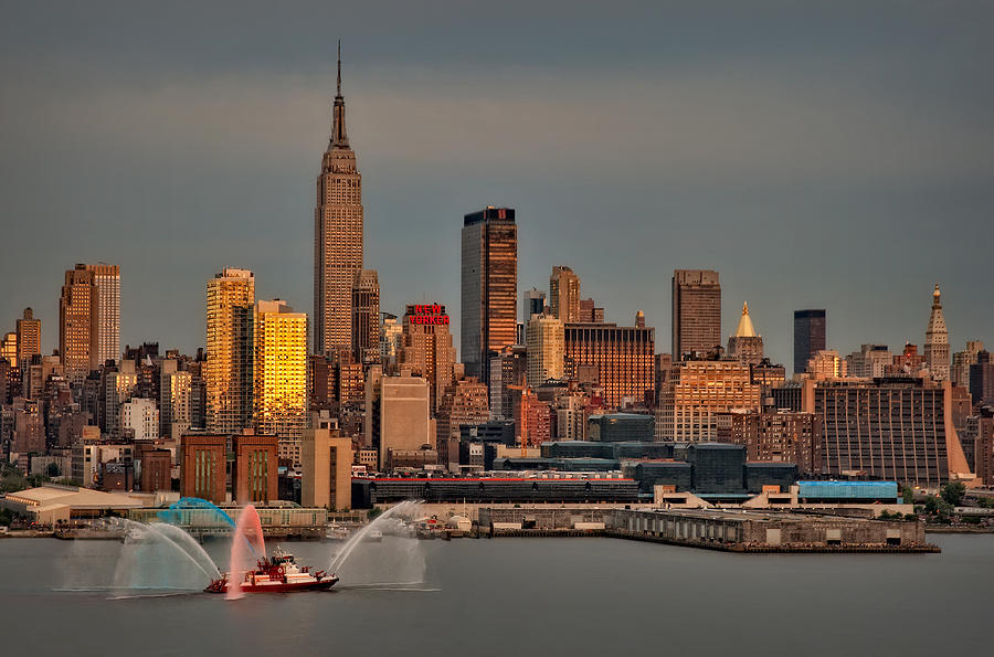 Nyc Photograph - New York City Sundown On The 4th by Susan Candelario