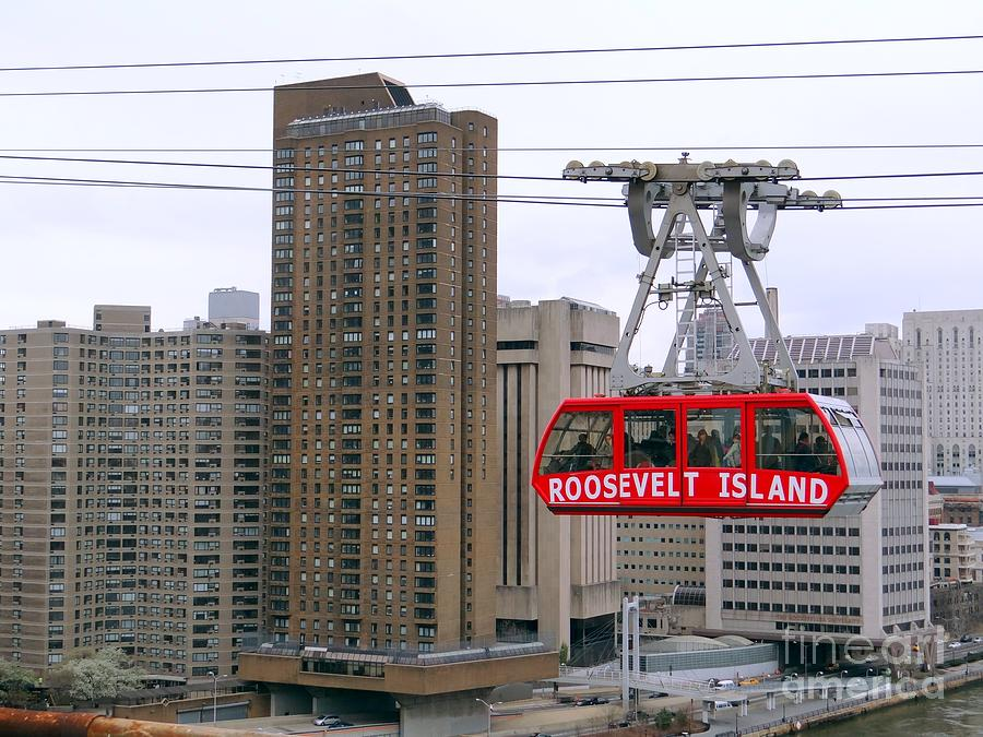 Roosevelt Island Tram Photograph - New York State Of Mind by Ed Weidman