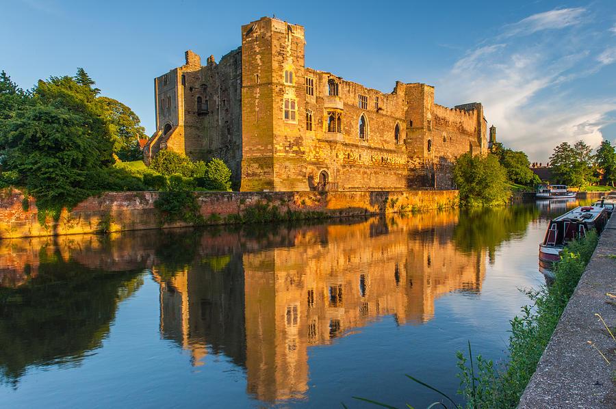 Newark Castle Photograph - Newark Castle Nottinghamshire by David Ross