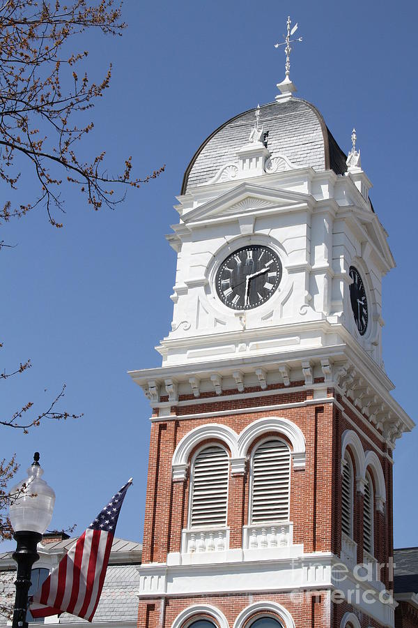 Newton Photograph - Newton County Courthouse by Cathy Lindsey