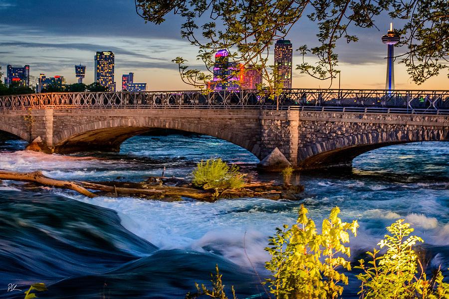 Niagara Bridge by Pat Scanlon