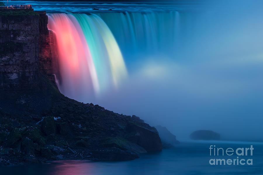 Niagara Falls Photograph - Niagara Falls 02 by Tom Uhlenberg