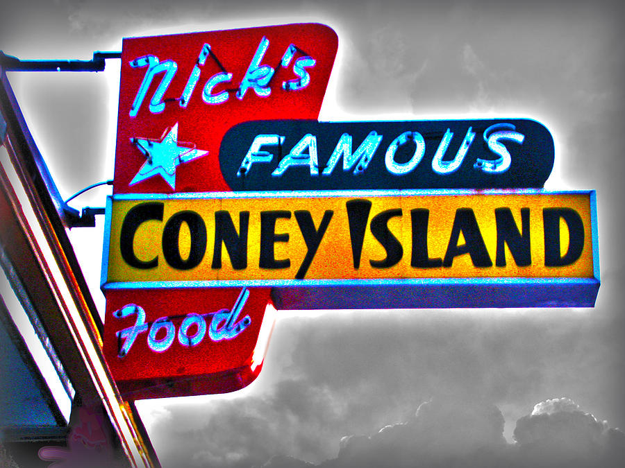 Nicks Famous Coney Island Food Photograph - Nicks Famous Food by Gail Lawnicki