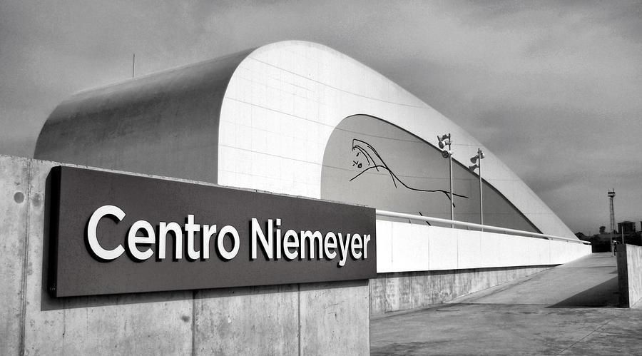 Landscape Photograph - Niemeyer by Pedro Fernandez