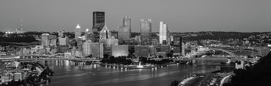 Horizontal Photograph - Night, Pittsburgh, Pennsylvania by Panoramic Images