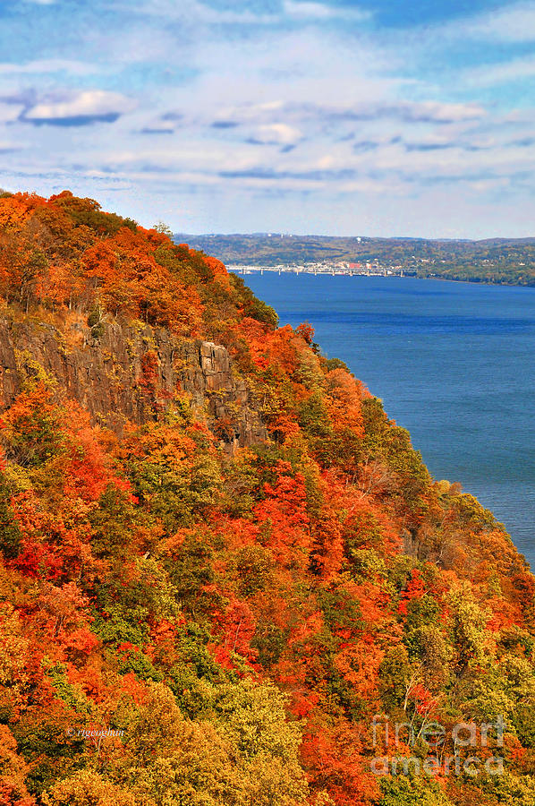 New Jersey Palisades Photograph - N.j. Palisades Awesome Autumn  by Regina Geoghan