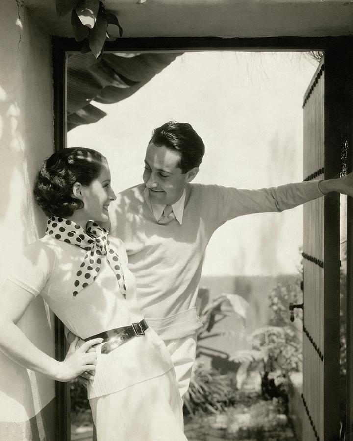 Norma Shearer And Irving Thalberg In A Garden Photograph by Edward Steichen