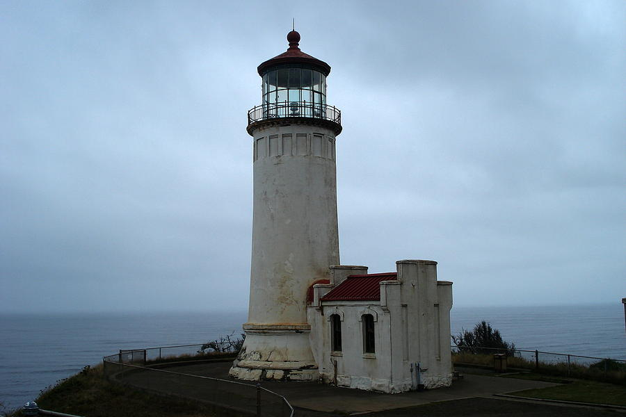 North Head Lighthouse Photograph - North Head Lighthouse At Cape Disappointment by Lizbeth Bostrom
