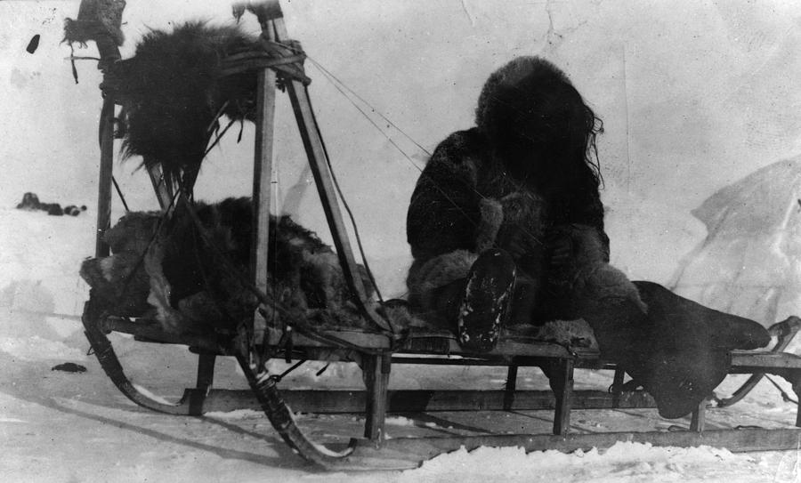 1909 Photograph - North Pole Sewing, C1909 by Granger