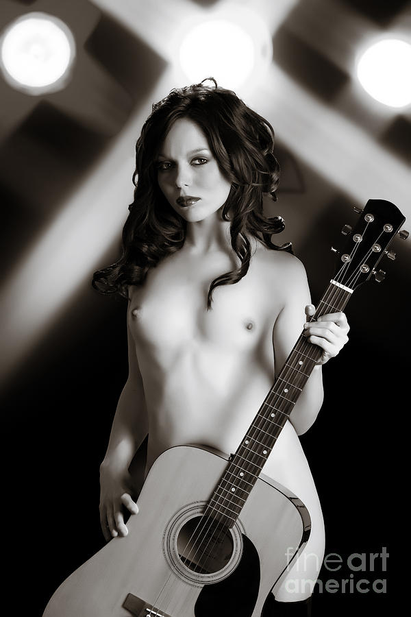 Naked chicks playing the acoustic pictures — pic 9